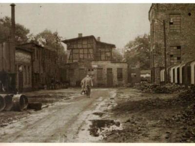 zdjęcie fabryki z przeszłości